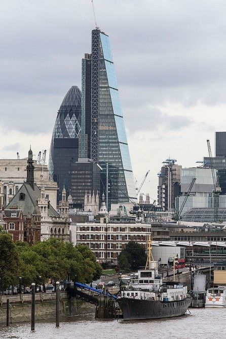 """London's """"Cheesegrater"""" skyscraper completes innovative design and construction process By Stu Robarts August 22, 2014 The Leadenhall Building is located directly opposite Lloyds of London and close to the Gherkin"""