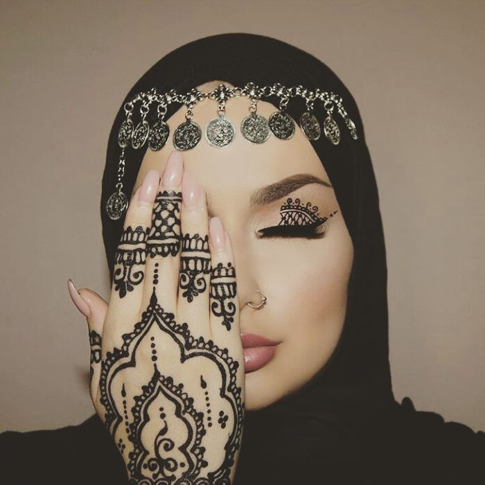 "4,458 Likes, 48 Comments - Muslim Wedding Inspo (@muslimweddinginspo) on Instagram: ""Omgg super gorgeous mA! Love that henna! @makeupbyeminee #henna #formal #formalwear #islam…"""