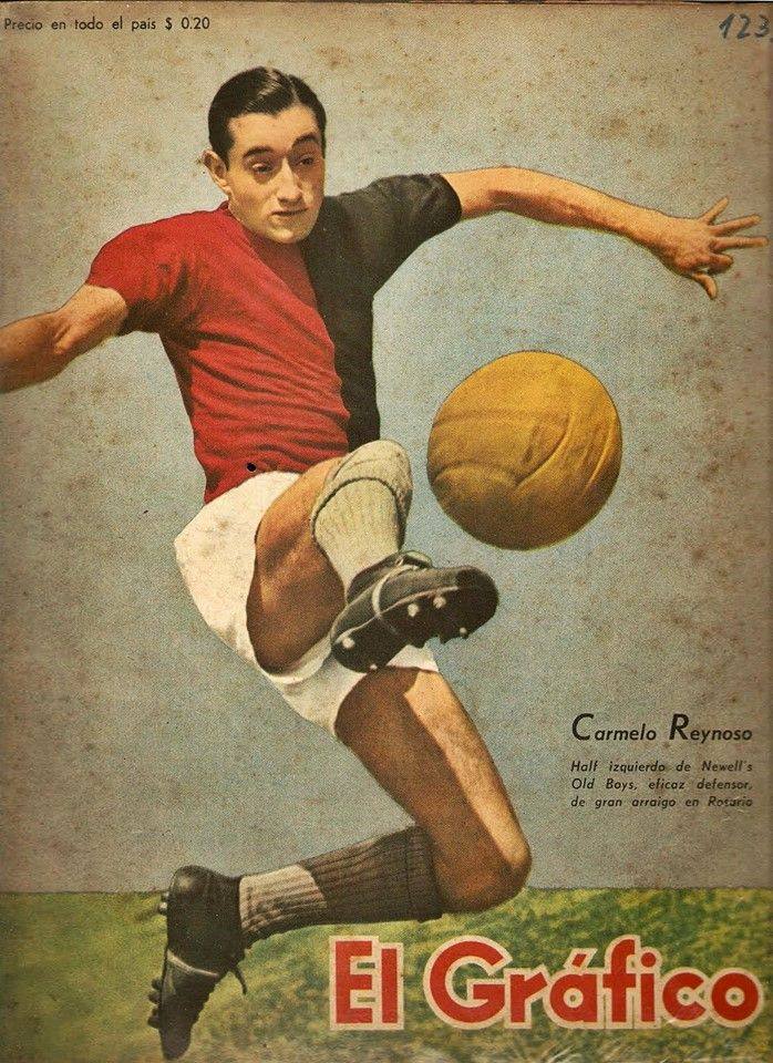 """Left midfielder of Newell's Old Boys, Carmelo Reynoso, on the cover of """"El Grafico"""" magazine of 26th February 1943"""