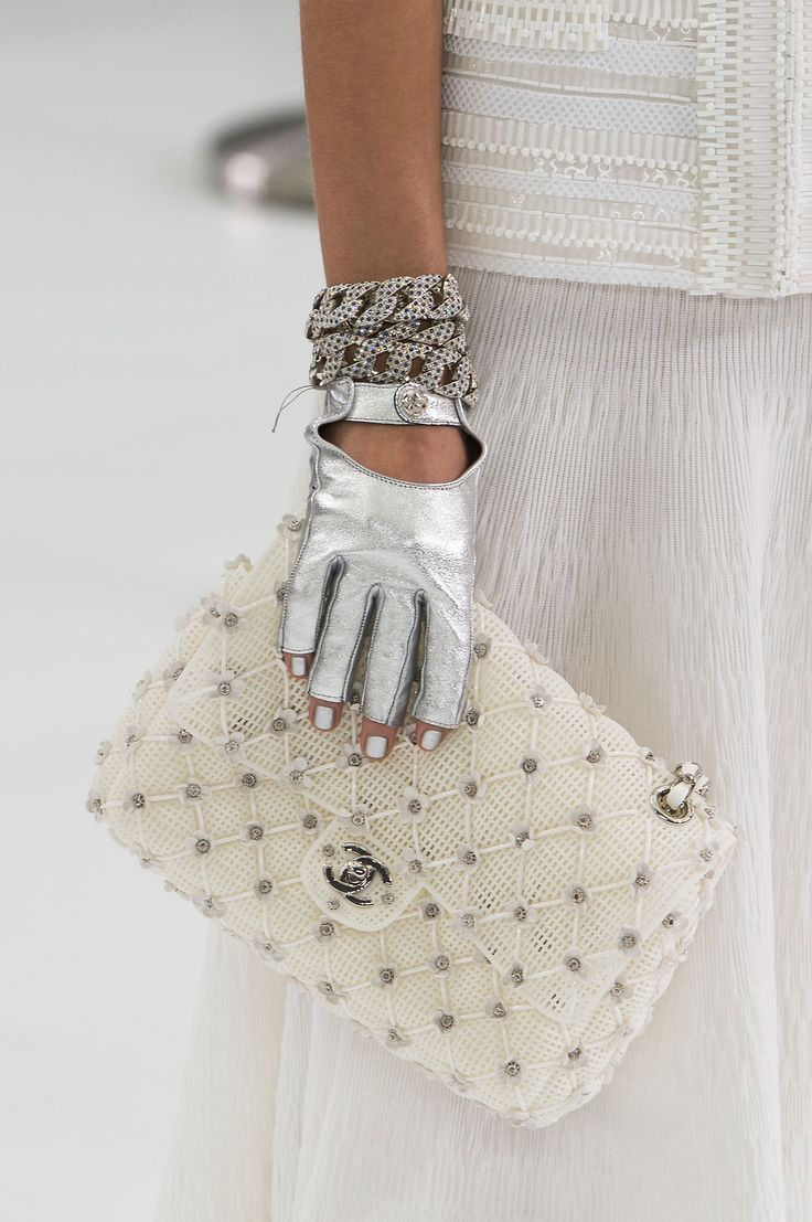 Chanel | Spring 2016 Handbags