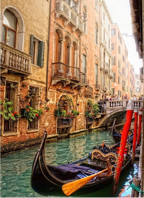 Venice - Italy  It's just so beautiful!!