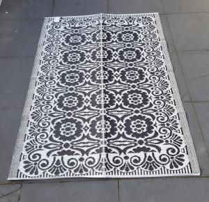 Tuintapijt kleed zwart/wit 180 x 270 cm - 7433647240240 - Avantius