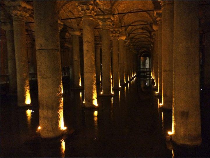 Cisterna Yerebatan Saray, Istambul. Veja no blog como foi a nossa viagem! #istambul #turquia #feedyoursoul
