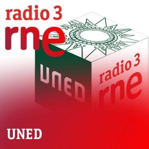 Podcast de Radio 3 y la UNED titulado ¿Somos analfabetos digitales? En él intervienen varios profesores universitarios. Tratan temas como analfabetismo digital en algunas competencias, intermetodología aplicada a la enseñanza, herramientas digitales. Su enlace es: http://mvod.lvlt.rtve.es/resources/TE_SUNE1/mp3/7/2/1398759268227.mp3