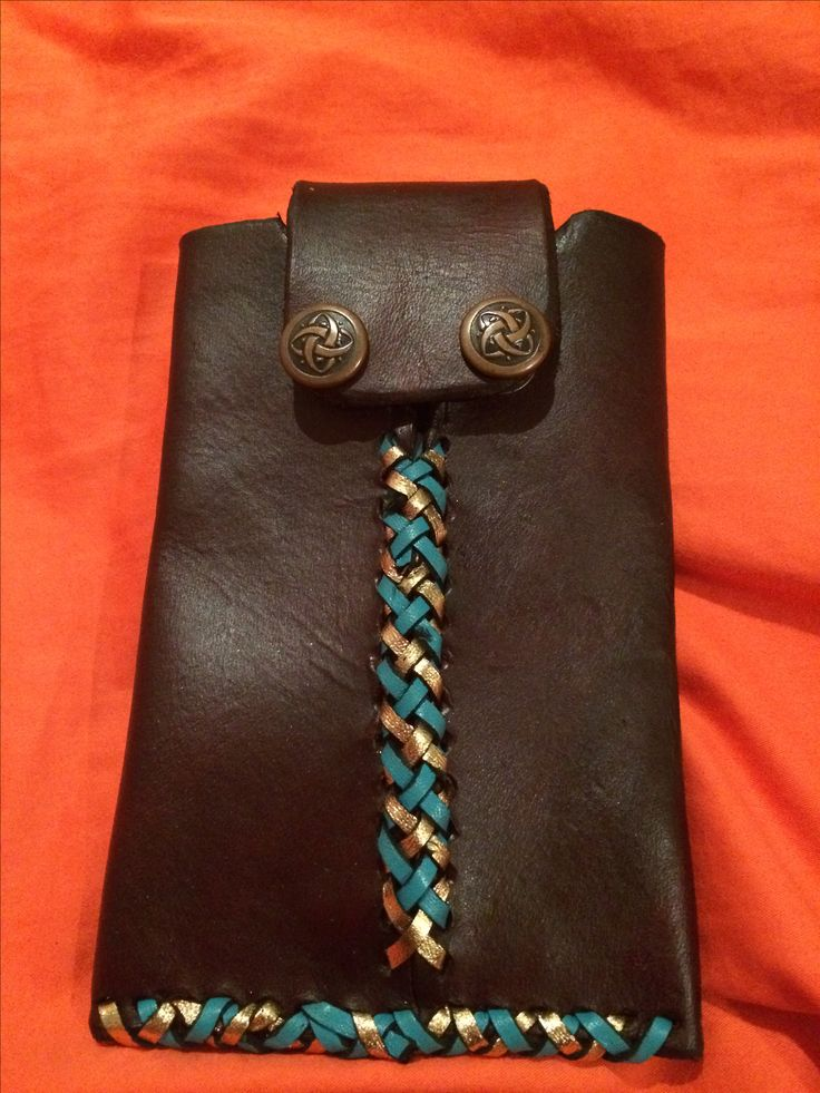 A custom order phone Case with belt loop on the back. #leather #phonecase #leathercraft
