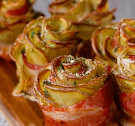 Roll Potato Slices Into Bacon – 1 Hour Later, Out Comes A Beautiful (And Scrumptious) 'Potato Rose'