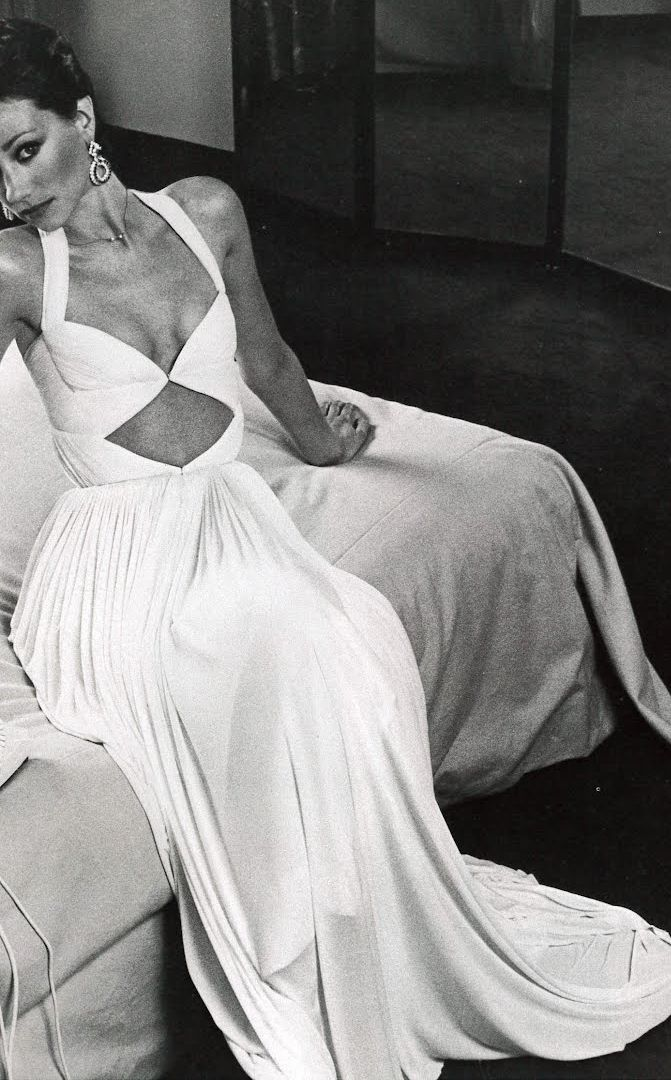 Marisa Berenson, Photo by Henry Clarke. If I was 2 lbs I'd wear this dress too