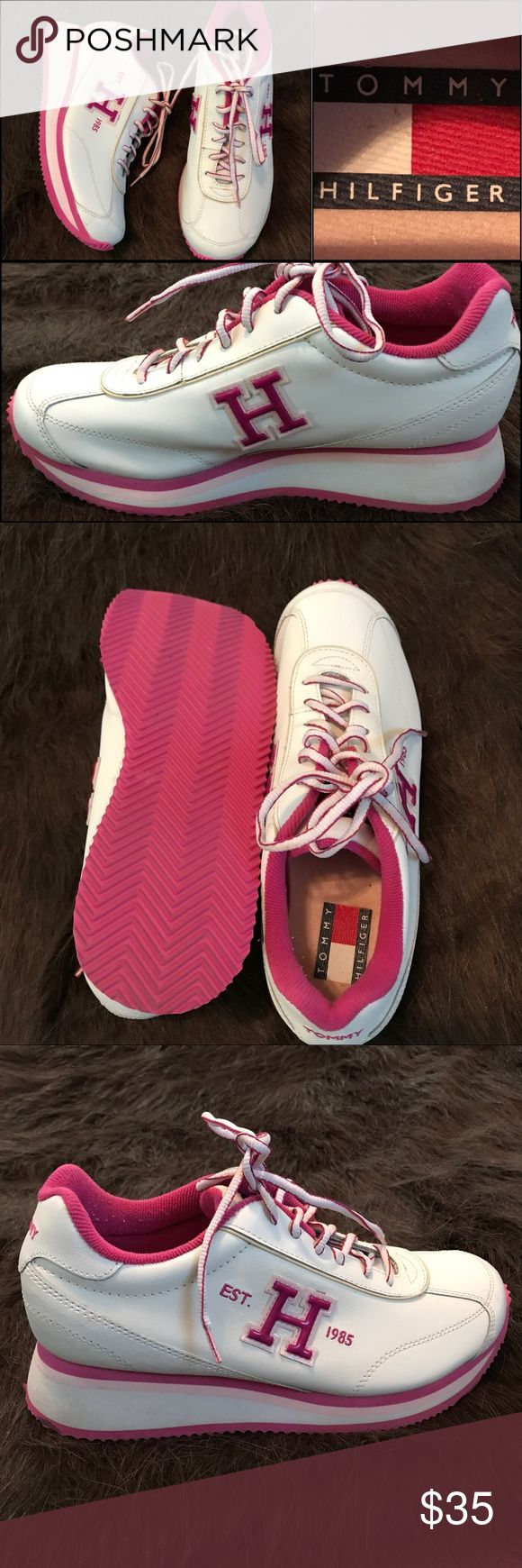 👟Tommy Hilfiger Tennis Shoes 👟 Pretty sneakers. Walking Shoes. Great pre owned condition. Great to pair up with Jeans or shorts. Tommy Hilfiger Shoes Sneakers