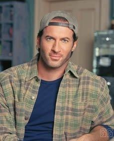 Luke Danes rockin a b-ball cap always! Laura Lei what took you so long!