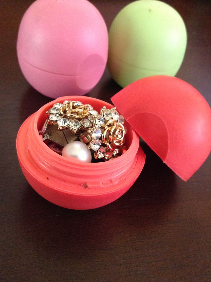 Cleaned out EOS containers are the perfect jewelry container for traveling. THIS IS PURE GENIUS.
