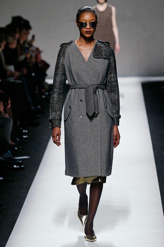 """Fashion TimeY❤B <> Milão - """"O clima do outono-inverno 2014/15 é escocês na Max Mara, que usa e abusa dos tecidos clássicos da alfaiataria invernal masculina com tweeds, espinhas de peixe, xadrez príncipe de Gales e tricôs de lã."""" Lilian Pacce"""