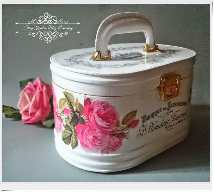 Stary Kredens - Blog - Decoupage: Kuferek w bieli - starofrancuskie napisy i różowe róże - Decoupage