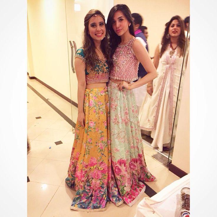 """How pretty are Bushra Parekh and Sana Ansari looking tonight #khizjan #ootd @bushraparekh @sansari6"""