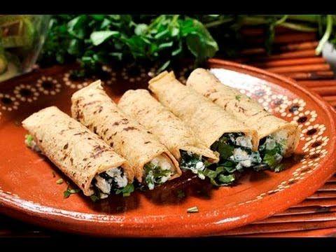 Tacos de espinacas con requesón. Esta deliciosa @receta es @fácil de digerir y es una opción para @cenar