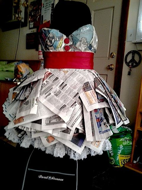ABC party dress for my birthday Medium: lots of newspaper & tape, string, buttons, zipper, glue nd ribbons :) MY HOW TO; NEWSPAPER DRESS...