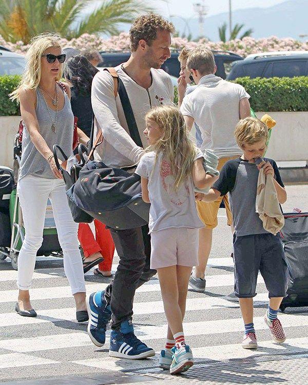 Gwyneth Paltrow Chris Martin Tattoo | gwyneth-paltrow-and-chris-martin-family-ffn-ftr.jpg?w=600&h=750&crop=1