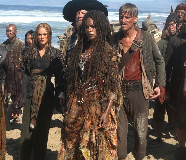 Still of Geoffrey Rush, Mackenzie Crook, Naomie Harris and Keira Knightley in Pirates of the Caribbean: At World's End (2007) http://www.movpins.com/dHQwNDQ5MDg4/pirates-of-the-caribbean:-at-world/still-2078772480