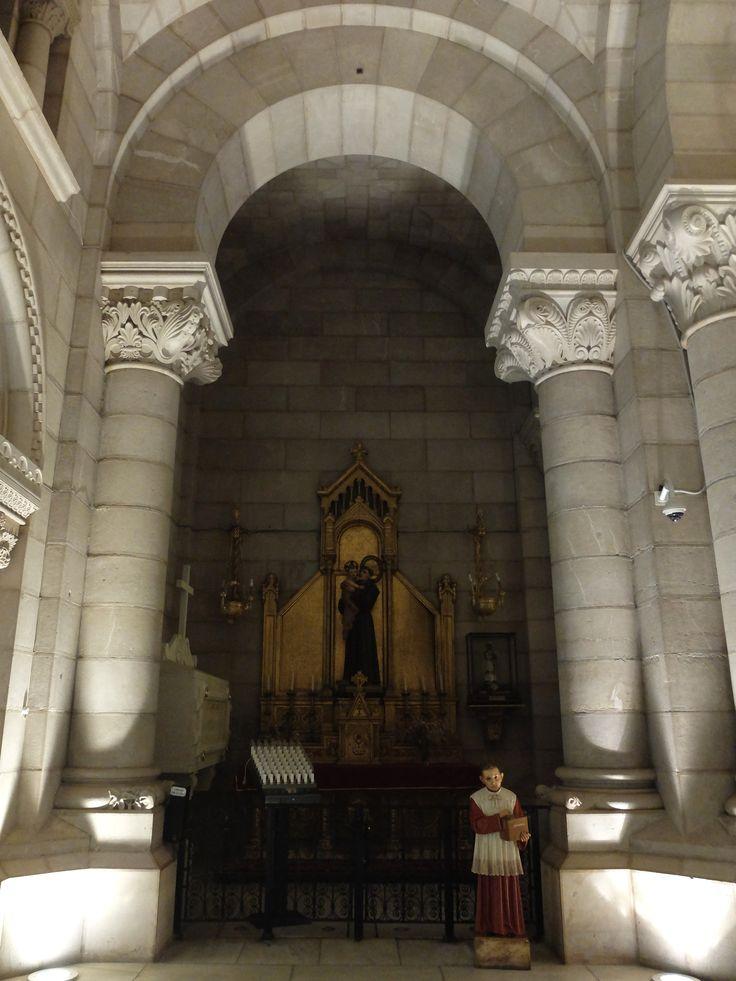 Cripta. Crucero. Lado del evangelio