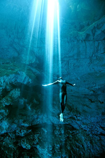 Underwater photography - Freediving the cenotes of Tulum. Photo taken on one breath by Christina Saenz de Santamaria. #freedivelife #freediving #cenotes #underwater #photography #Mexico #1ocean1breath #oneoceanonebreath