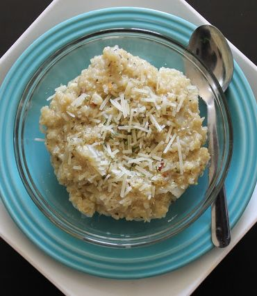 PARMESAN GARLIC QUINOA (you'll never eat mac & cheese again!) **Light cheese