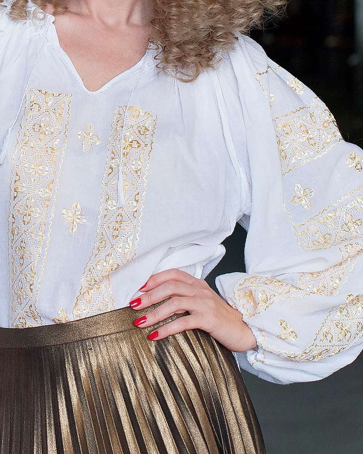 TRADITIONAL HANDMADE BLOUSE - Shimmering Gold Motif