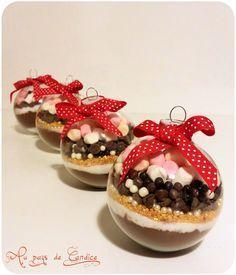 Boule de Noël pour un chocolat chaud gourmand - Au pays de Candice