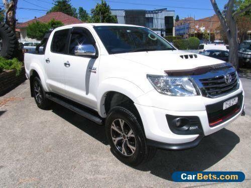 2015 Toyota Hilux KUN26R MY12 SR5 (4x4) White Automatic 4sp A Dual Cab Pick-up #toyota #hilux #forsale #australia