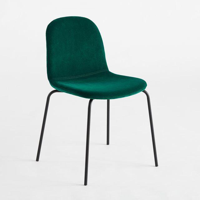 La chaise Tibby. Une ligne simple et épurée, qui s'intègre facilement dans tous les intérieurs.Caractéristiques : - Coque multiplis garnie mousse polyuréthane 30 kg/m3- Revêtement en velours 100% polyester - Piétement en acier finition époxy. - Livrée montéeDimensions : - Totales L51 x H78,5 x P55 cm. - Assise : L45 x H48 x P40 cm.Dimensions et poids du colis :- L55 x H83 x P56,5 cm, 7,5 kg