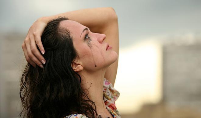 Слёзы – признак силы, а не слабости. Они проводники горя, которое тяжело пережить и огромной любви, которую не возможно выразить словами.