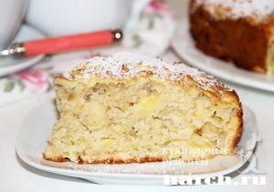 Яблочный пирог с овсянкой  150 г сливочного масла 2 яйца 1/2 стакана кислого молока 150 г сахара 300 г муки 1 стакан овсянки 3 яблока 1 пакетик ванили 1 пакетик разрыхлителя