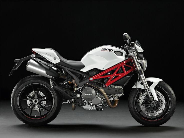 Ducati Monster 796 (2010) - 2ri.de