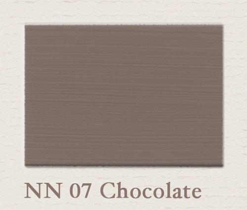 Chocolade by Painting the Past  Wie weet is dit de kleur voor een wand in onze slaapkamer.. Of toch een iets lichtere kleur...