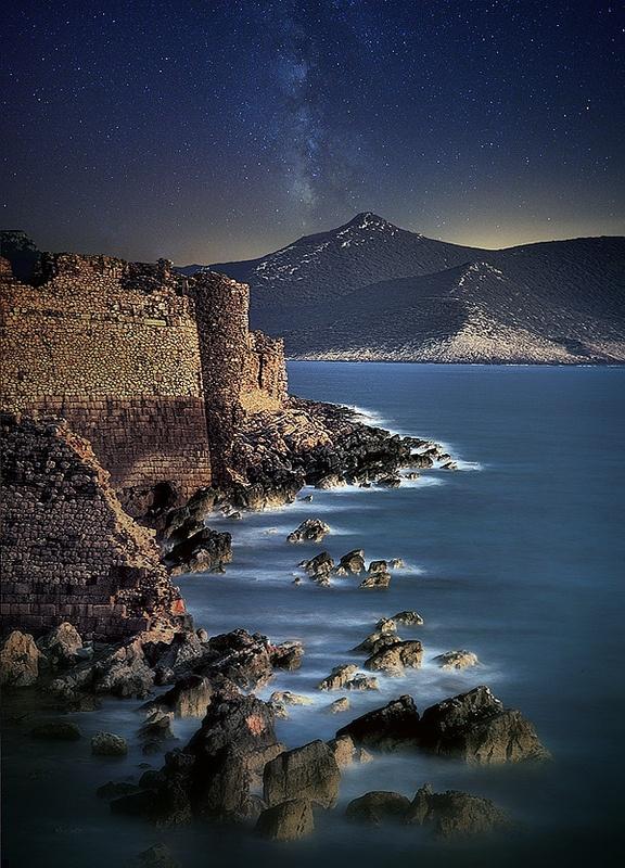 Methoni Castle - Peloponnese, Greece / by Dimitrios Lamprou via Flickr