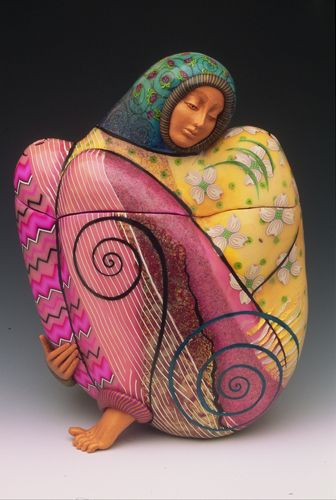 Adore this polymer artist, layering and using pattern in fimo. Making the most surprising art work..beautiful