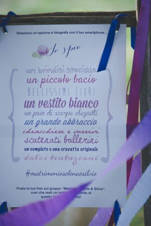 """I spy"" wedding game http://weddingwonderland.it/2015/12/matrimonio-country-azzurro-viola.htmlun"