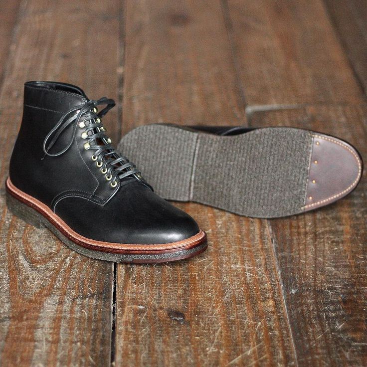 "#mulpix Alden's line of all-weather walker shoes are perfect for light rain. The 4515H ""Pegasus"" Plain Toe Boot is made with a waxy calfskin leather that keeps water out while the double plantation crepe outsoles with an oiled leather tip make it comfortable for walking in inclement weather. Barrie last.  #aldenshoes  #aldenarmy  #aldenasia  #aldenboots  #menswear  #classicstyle  #madeinUSA"