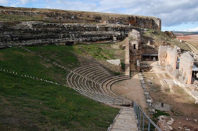 Teatro de Clunia Sulpicia (Coruña del Conde, Burgos) by sanmagome, via Flickr