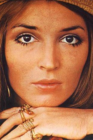 Talitha Getty - strong mascara on the bottom and white eye liner/shadow on the top