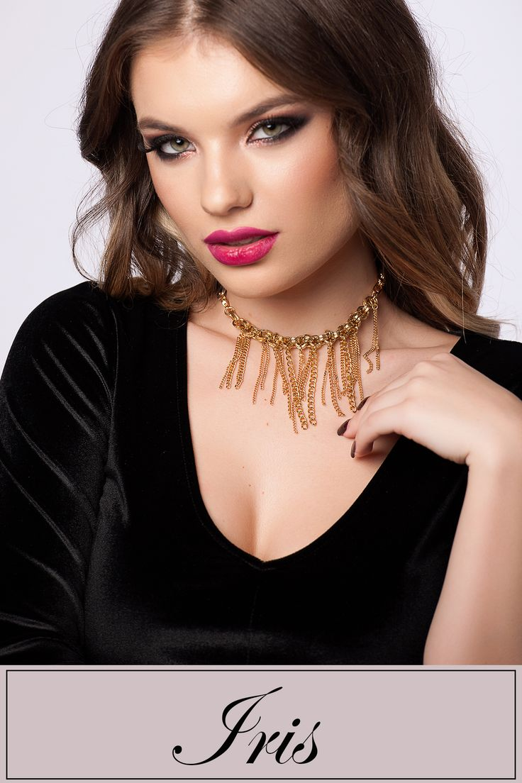 The chic and trendy Irish chocker can easily accessorize your attires @wi