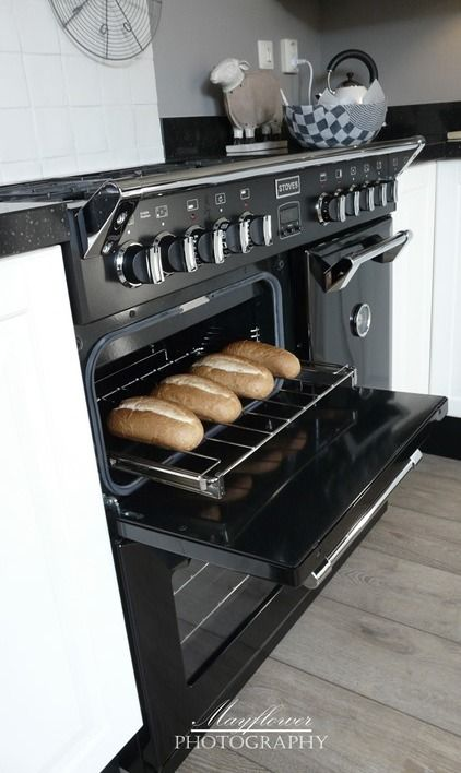 * LOVE THE OVEN
