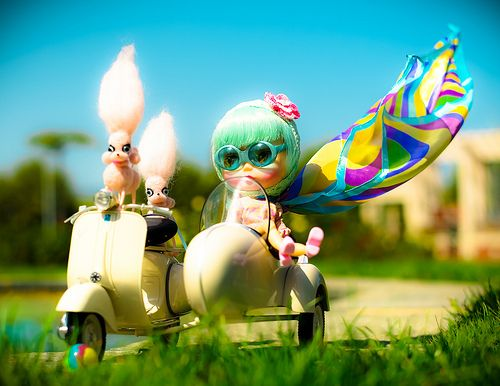Blythe Doll Fashions made a post about the 1st anniversary of Tiny Feet!