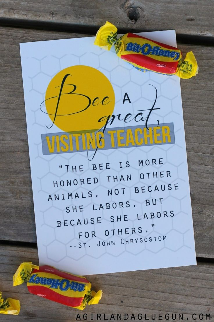 bee free printable from A Girl and a Glue Gun