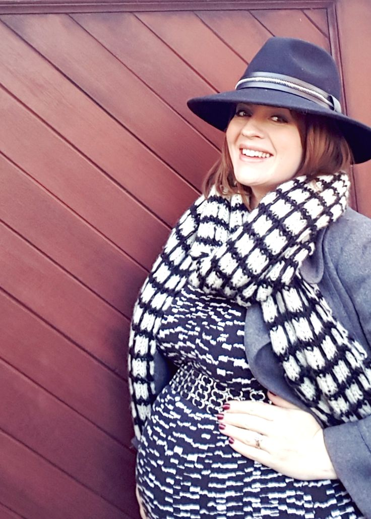 Third trimester winter style...  http://www.poutinginheels.com/dressing-bump-comfy-frock/  #pregnancystyle #pregnancy #thirdtrimester #bump #dressingthebump