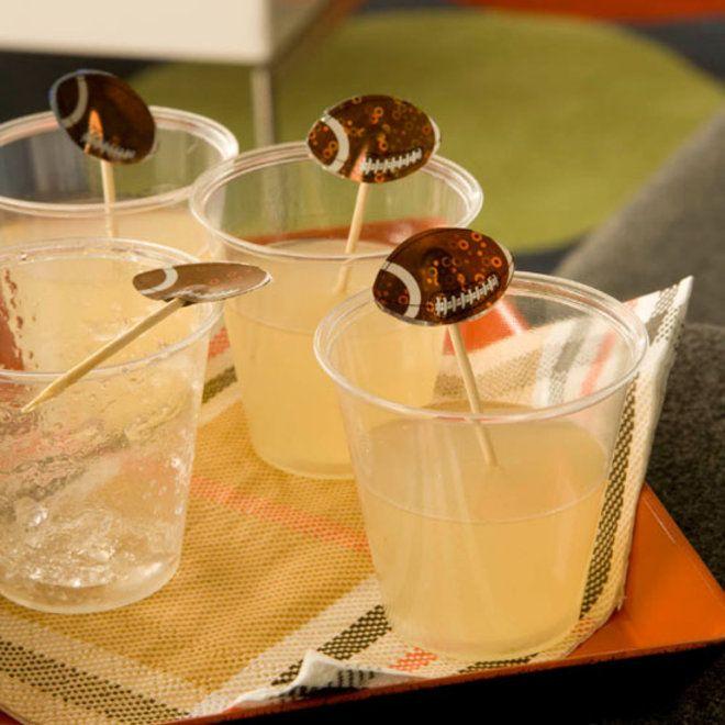 1000+ ideas about Mojito Bowle on Pinterest | Bowle, Caipirinha Bowle ...