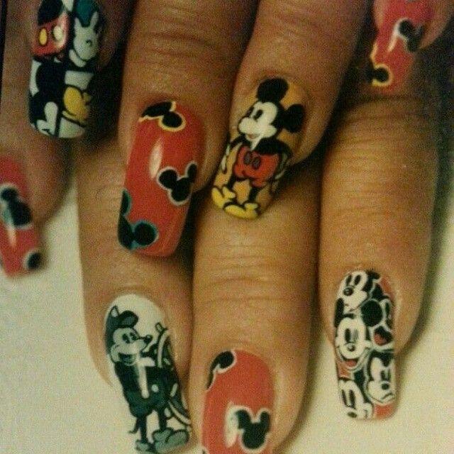 Disney Nala Nail Design