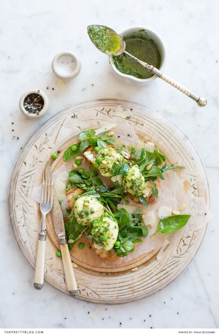 SPRING GREENS AND PESTO BOCCONCINI TOASTS! | Assistant: Elsebé Cronjé | Photography: Tasha Seccombe Photography | Venue: the DEMO KITCHEN | Recipe, text & food preparation: Ilse van der Merwe