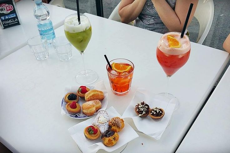 I dolcissimi aperitivi del Pamela!    #aperitivo #happyhour #pasticceriapamela #modena