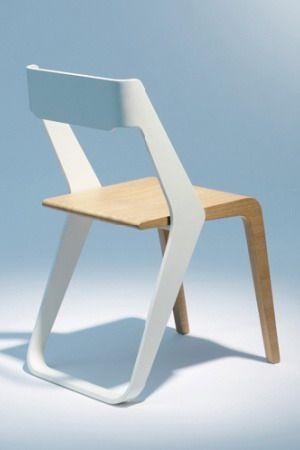 Se eu tivesse grana, acho que aqui em casa só teria cadeiras pelos cômodos.