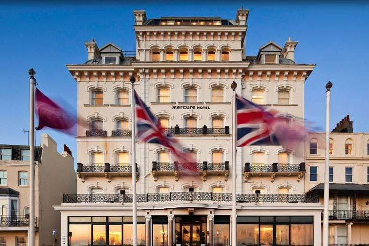 Discount 4* Brighton Seafront Stay, Breakfast & Dinner for 2 for just £109.00 Enjoy an overnight stay for two in England's coastal capital!  Stay in the luxury 4* Mercure Brighton in a classic en-suite double or twin room with Wi-Fi access and more.  Upgrade to a privilege room for a mere £20 per room per night!  Includes a delicious breakfast in the morning and dinner in the hotel...