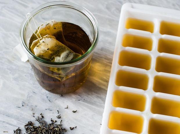 Το πράσινο τσάι θα εξαφανίσει τα πρησμένα μάτια - Πρόσωπο | Ladylike.gr